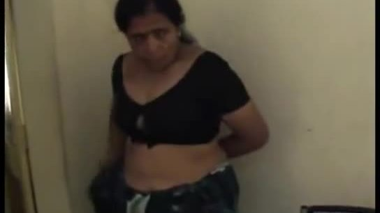 2013-04-09-hardsextube-tamil bhabhi new video nude bj fucked doggy wid audio kingston.avi